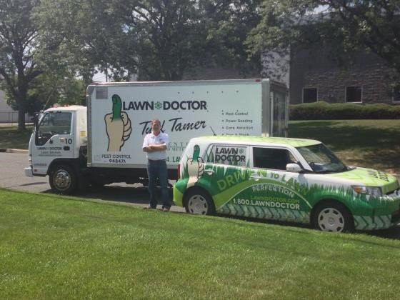 10 Pest Control Franchise Opportunities to Consider - Lawn Doctor