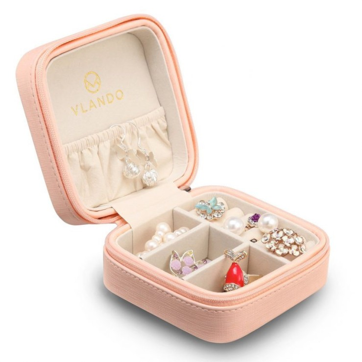 25 Travel Accessories for Women - Vlando Jewelry Box Holder